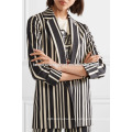 Chaqueta de la chaqueta de la chaqueta de manga larga de algodón a rayas blanco y negro oficial fabricación ropa de mujer de moda al por mayor (TA0006J)