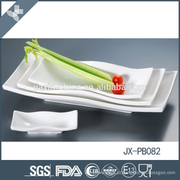 Uso doméstico fino porcelana custom calor resiatant conjunto de dinnerware de natal branco
