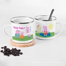 taza de esmalte con diseño brillante