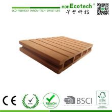 Paisagem composta de madeira plástica e piso de decks de jardim