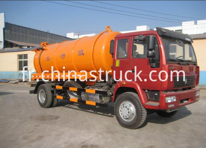 HOWO waste water suction tanker