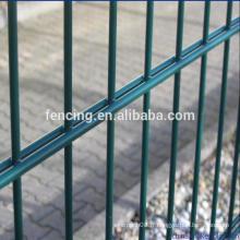Revêtement enduit de PVC / PE Double Wires Fence, filet