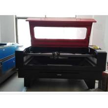 Máquina de corte por láser de alta velocidad para corte de tela / material de zapatos