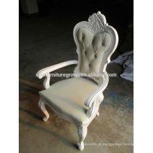 Cadeira de jantar de madeira clássica de estilo barroco