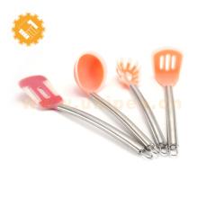 Accessoires de maison Fashional, ustensiles de cuisine en silicone de couleur différente