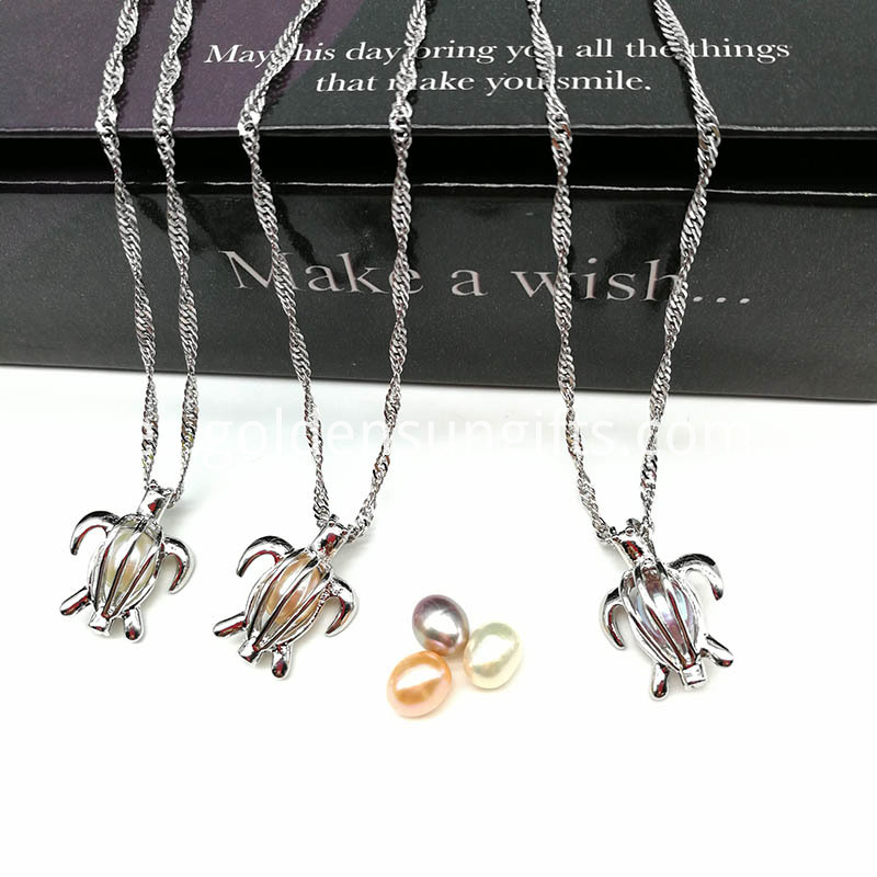 Fashion Pearl Cage Pendant Necklace