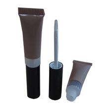 Tubo de brilho labial com aplicador de pé DOE
