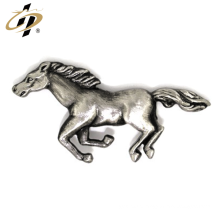 Wholesale personalizado pin emblema do cavalo 3d