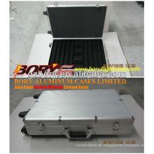Klassischer schwarzer abgerundeter Eckwagen 1000 Aluminium Poker Chip Case