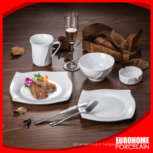 dîner royal gres cerame sertie de décalcomanies
