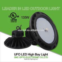A baía alta do UFO alto do efficency conduziu a luz de inundação clara interna exterior da luz de rua das luzes 135w
