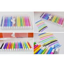 lápis colorido e sedoso de cor de caixa de plástico
