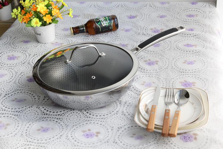 wok pan with lid