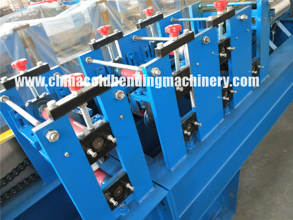 Automatic High Speed Complate Pu Foam Roller Shutter Door Roll Forming Machine