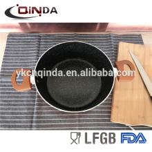 Nouveau pot de cuisson antiadhésif en aluminium de 5 pintes de conception de casserole avec l'extérieur de peinture métallique de cuivre