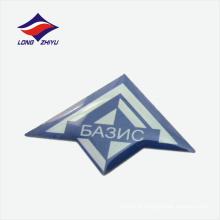 Crachá de lapela de logotipo de cor azul com forma de pipa