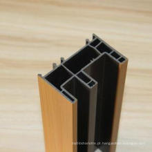 Perfis de PVC extrudados