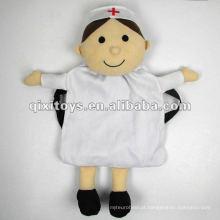 Mochila macia da enfermeira da pelúcia