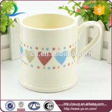 Taza de cerámica de encargo de la cerámica del diseño caliente del corazón de la venta