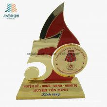 En gros Usine Émail Coulée Veitnam Imprimer Metal Trophy pour Souvenir