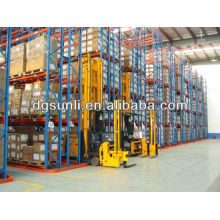 Adjustable warehouse very narrow aisle storage shelf