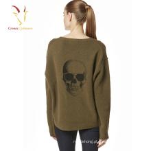 Camisola feita malha camisola feita malha do crânio da forma da menina