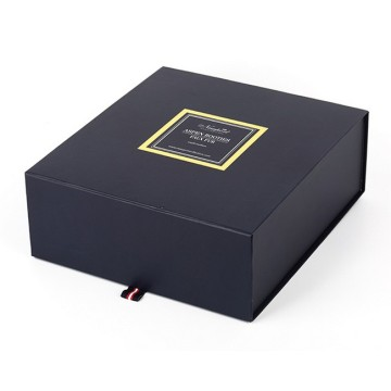Folding black cardboard gift box for scarf