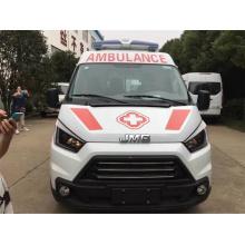 Ambulance de transport JMC à axe court
