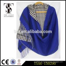 Una tela escocesa un zap patrón reversible al por mayor poncho cachemir acrílico bufandas largas