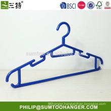 plastic skirt hangers