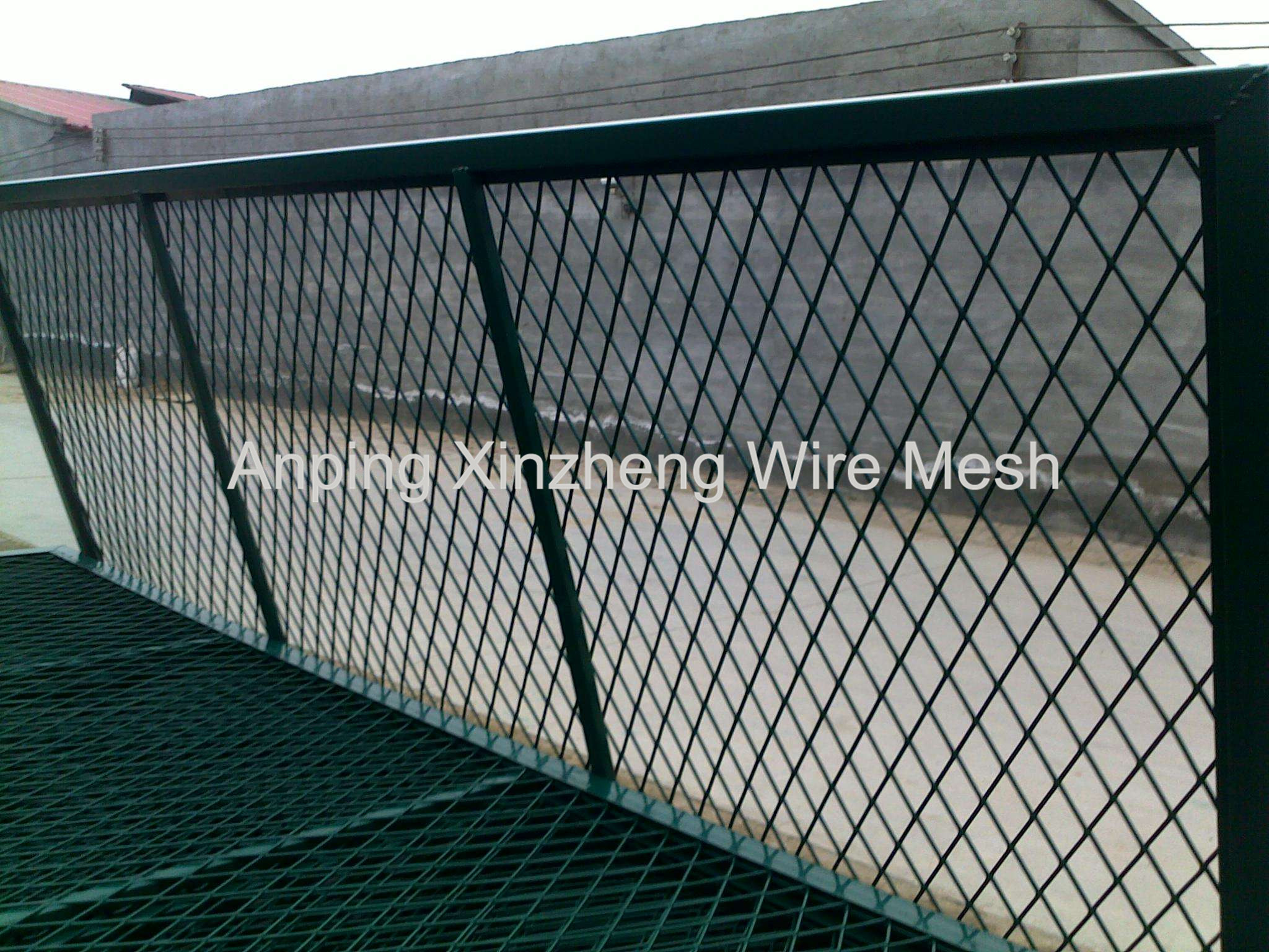 Pvc Coated Expanded Mesh Fencing