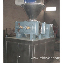 Chemical fertilizer dry granulation roll compactor