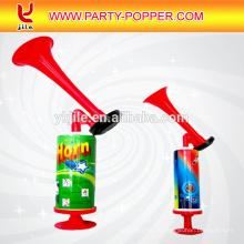 Гонконг самые лучшие продавая дешевые украшения партии онлайн пластиковые мини-вентилятор Рог рога для футбольных игр