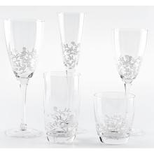 Klares Weinglas-Set mit weißem Blumenaufkleber