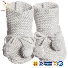 Bottines bébé en cachemire tricoté, Chaussures en cachemire bébé avec pompon