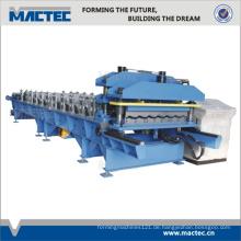 Manueller Dachziegel, der Maschine herstellt