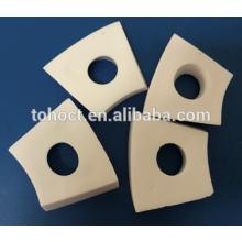 Alta resistência ao desgaste 95% alumina telhas cerâmicas para o sistema de transporte de cerâmica placa cerâmica branca tijolo
