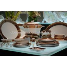 Repujado pesado oro lujoso nuevo colección de porcelana barato vajilla al por mayor