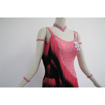 Robe de danse latine rouge