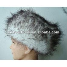 Модные трикотажные зимние шапки с искусственным мехом вокруг