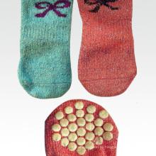 Симпатичные домашние носки для собак с анти-скольжением