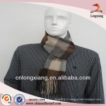 Echarpe à motif plaid brossé en laine