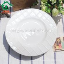 Assiette blanche sur mesure à la mode et à la mode pour restaurant