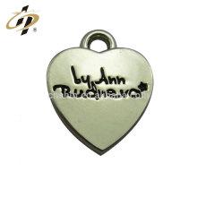 Gros logo personnalisé promotionnel en métal argent blanc forme coeur pendentif pour les amoureux