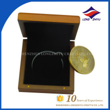 So beautiful coin souvenir use gift use coin with nice wood box