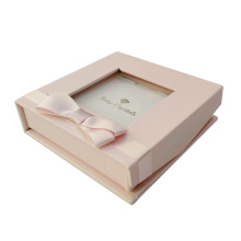 Coffret cadeau bijoux petit bracelet rose avec ruban