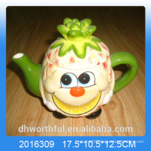 2016 Wholesale ceramic teapot with pineapple design