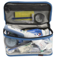 mengosongkan beg peralatan mandian, peralatan mandian pelancongan beg