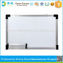 Schule Whiteboard mit Magneten