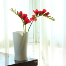 High Quality Petal Shape Plastic Vase